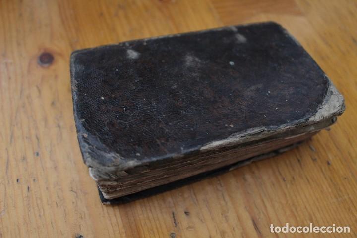 Libros antiguos: EJERCICIOS COTIDIANOS ENCUADERNADO EN PIEL CON 200 AÑOS - Foto 3 - 168718300