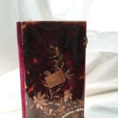 Libros antiguos: MISAL ANTIGUO DE CAREY CON INCRUSTACIONES DE ORO Y NACAR CIERRES DE PLATA 1898, MED.16CM X 9CM X 2CM. Lote 195512342