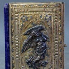 Libros antiguos: MISAL OFICIO DIVINO LAPLACE CON TAPAS EN PLATA DORADA Y LOMO EN TERCIOPELO HACIA 1900. Lote 175774547