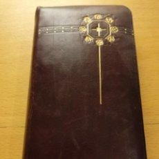 Libros antiguos: EL OFICIO DEL DOMINGO QUE CONTIENE EL ORDINARIO DE LA SANTA MISA Y VARIAS ORACIONES. Lote 186062261