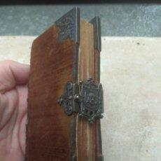 Libros antiguos: MISAL - EJERCICIO COTIDIANO ORACIONES 1832 CON DECORADOS EN PLATA. Lote 27115981
