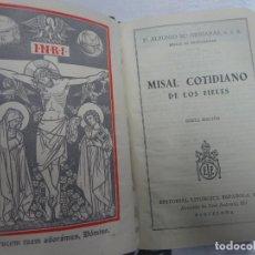 Libros antiguos: MISAL COTIDIANO DE LOS FIELES, P. ALFONSO Mª GUBIANAS O.S.B. 1943 BARCELONA, VER FOTOS. Lote 205831048