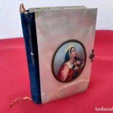 Libros antiguos: MISAL EN NACAR AÑO 1857 PINTADO A AMNO. Lote 215528607