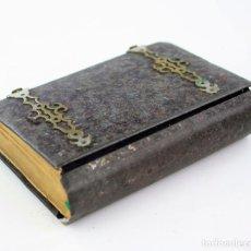 Libros antiguos: MISAL CON CUBIERTAS DE METAL, CAMINO RECTO Y SEGURO PARA LLEGAR AL CIELO, JOSÉ MARIA CLARET.. Lote 235674280