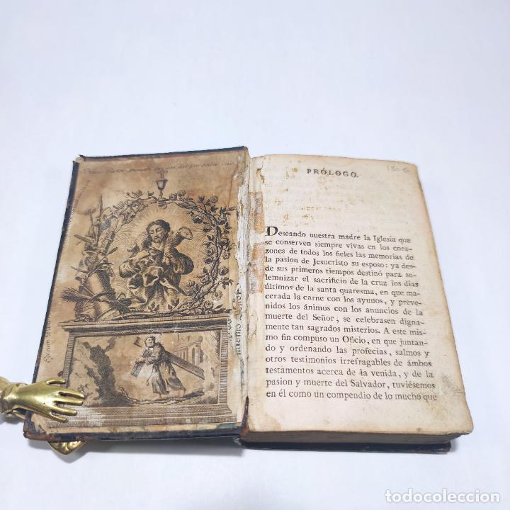 Libros antiguos: Antigua obra religiosa sobre la semana santa. Siglo XVIII. Grabados. 511 páginas. - Foto 2 - 253894015