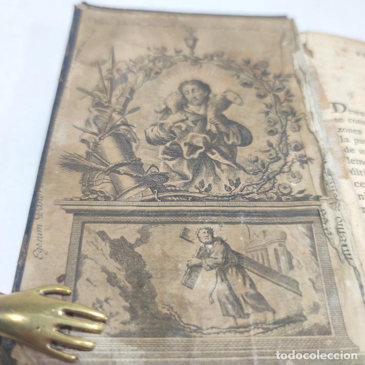 Libros antiguos: Antigua obra religiosa sobre la semana santa. Siglo XVIII. Grabados. 511 páginas. - Foto 3 - 253894015