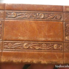 Libros antiguos: PRECIOSO LIBRITO PEQUEÑO MES DE SAN JOSE - EN CUERO REPUJADO AÑO 1905 - 8.3 X 5.3 CM. Lote 262494590