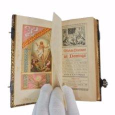 Libros antiguos: OFICIOS DIVINOS PARA LOS DOMINGOS. LAVALLE. SXIX. METAL CALADO PLATEADO Y DORADO... Lote 270130858