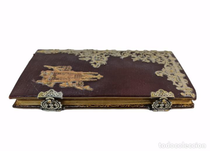 Libros antiguos: Oficios divinos para los domingos. Lavalle. SXIX. Metal calado plateado y dorado.. - Foto 7 - 270130858