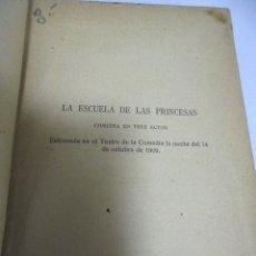 Libros antiguos: TEATRO DE JACINTO BENAVENTE. TOMO DECIMONONO. CONTIENE TRES OBRAS. LEER. Lote 180098107