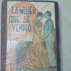 Libros antiguos: LIBRO ANTIGUO DE TRES COMEDIAS, AÑO 1935,VER FOTOS. Lote 221619136