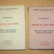 Libros antiguos: 2 ANTIGUOS LIBROS LECCIONES DE FORMACION DEL ESPIRITU NACIONAL - FRENTE DE JUVENTUDES, MURCIA, RECOP. Lote 30696064