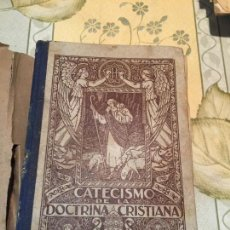 Libros antiguos: ANTIGUO LIBRO ESCOLAR CATECISMO BILINGÜE DE LA DOCTRINA CRISTIANA AÑO 1939. Lote 159301798