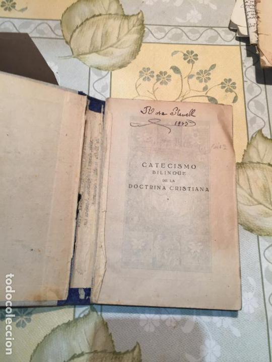 Libros antiguos: Antiguo libro escolar catecismo bilingüe de la doctrina Cristiana año 1939 - Foto 2 - 159301798