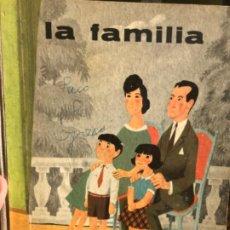 Libros antiguos: LIBRO LA FAMILIA. AGUILAR. 1966. Lote 186734658