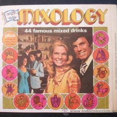 Libros antiguos: MIXOLOGY. 44 COCKTAILS FAMOSOS. 44 FAMOUS MIXED DRINKS. . Lote 26403967