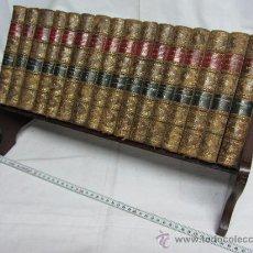 Alte Bücher - Interesante colección de obras de Sir Walter Scott / 2º tercio s. XIX - 32328561