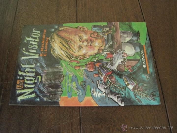 Libros antiguos: THE NIGHT VISITOR - R. MAC ANDREW / C. LAWDAY - INGLES - Foto 3 - 50053660