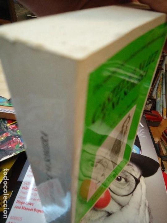 Libros antiguos: Valentín Paz-Andrade. Castelao na luz e na sombra. A Coruña, 1982. ilustrado - Foto 2 - 75238013