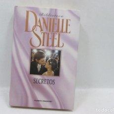 Libros antiguos: LIBRO - DANIELLE STEEL - SECRETOS. Lote 95517735