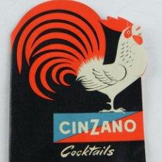 Livres anciens: FOLLETO TROQUELADO CINZANO COCKTAILS. ILUSTRADO. TIENE 18 PAGINAS, MIDE 8,5 X 11,5. VER FOTOGRAFÍAS. Lote 96304047