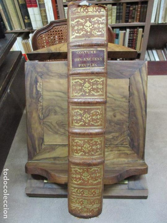 Libros antiguos: COSTUME DES ANCIENS PEUPLES, A L'USAGE DES ARTISTES. M. DANDRÉ BARDON. 3 TOMOS. 1784-1785. - Foto 2 - 100135467