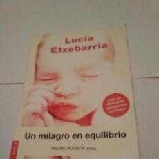 Alte Bücher - Lucía etxebarria - un milagro en equilibrio - 103409927
