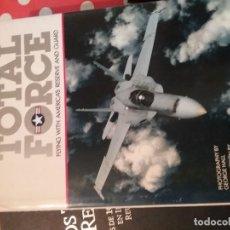 Libros antiguos: LIBRO CON FOTOGRAFÍAS DE AVIONES TOTAL FORCE DE THOMASSON-GRANT. Lote 104695163