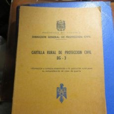 Libros antiguos: LIBRO ANTIGUO REFUGIOS PROTECCION CIVIL CONSEJOS REALIZACION BUNKER EN CASA PARA GUERRA. Lote 106660923