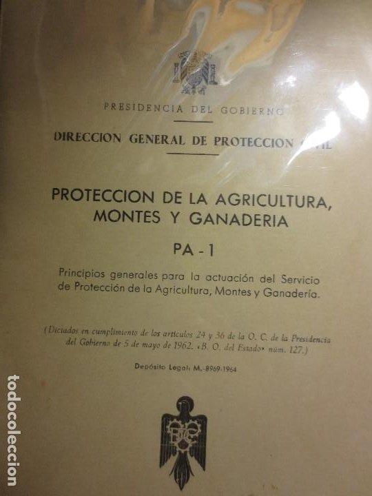 Libros antiguos: REFUGIOS antiguos libros proteccion agricultura ganaderia personal civil madrid 1965 - Foto 3 - 106673463