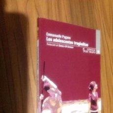 Libros antiguos: LOS ADOLESCENTES TROGLODITAS. EMMANUELLE PAGANO. LENGUA DE TRAPO. RÚSTICA. BUEN ESTADO. Lote 110747375