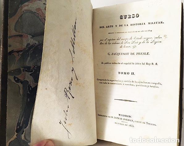 Libros antiguos: Curso del Arte y de la Historia Militar. Tomo II (1833) 3 grabados desplegables. Piel española - Foto 4 - 115384283