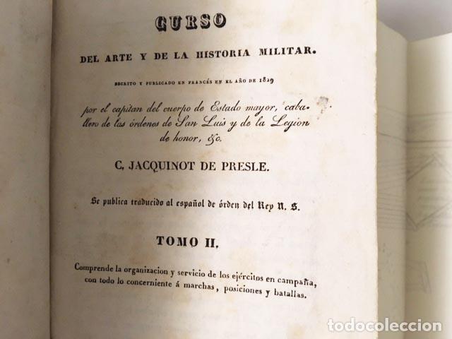 Libros antiguos: Curso del Arte y de la Historia Militar. Tomo II (1833) 3 grabados desplegables. Piel española - Foto 6 - 115384283