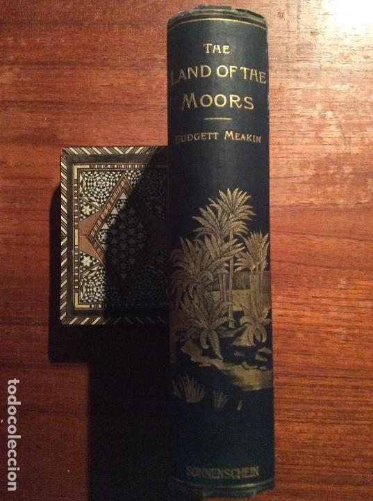 Libros antiguos: THE LAND OF THE MOORS - Foto 2 - 118485427