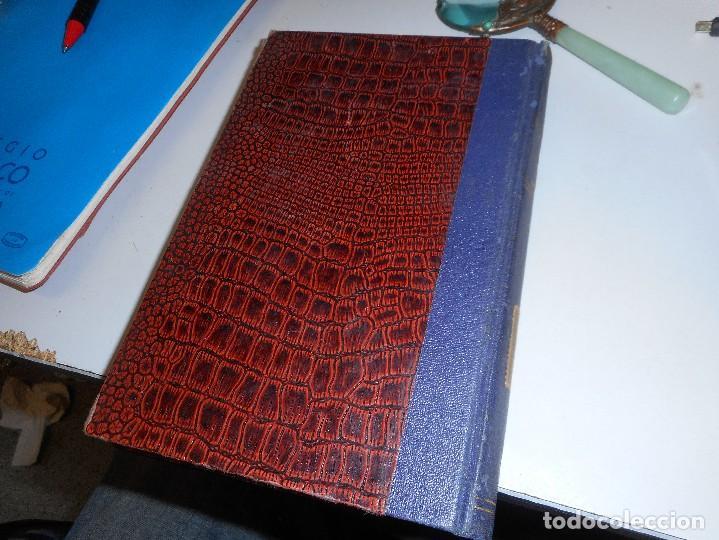 Libros antiguos: curioso libro primera edicion 1935 parece en piel de cocodrilo o serpiente comprension dostoiewsky - Foto 2 - 122296083