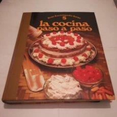 Libros antiguos: GRAN ENCICLOPEDIA SARPE 5 LA COCINA PASÓ A PASO. Lote 126823375