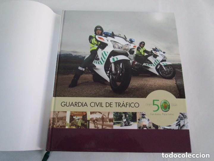 Libros antiguos: LIBRO: GUARDIA CIVIL DE TRAFICO. (1959 - 2009) 50 ANIVERSARIO. MINISTERIO DEL INTERIOR. COMO NUEVO. - Foto 4 - 129100735