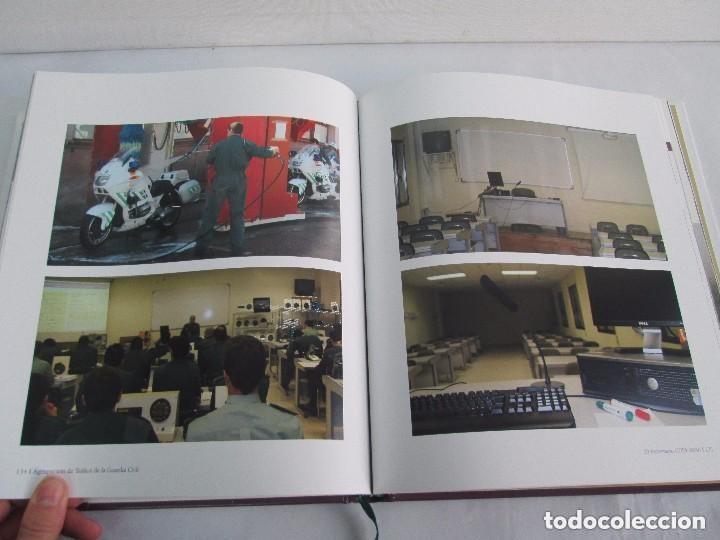 Libros antiguos: LIBRO: GUARDIA CIVIL DE TRAFICO. (1959 - 2009) 50 ANIVERSARIO. MINISTERIO DEL INTERIOR. COMO NUEVO. - Foto 12 - 129100735