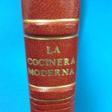 Libros antiguos: LA COCINERA MODERNA - FACSIMIL - VALENCIA 1888 - PLENA PIEL CON TEJUELOS Y DORADOS ED LUJO. Lote 130766920