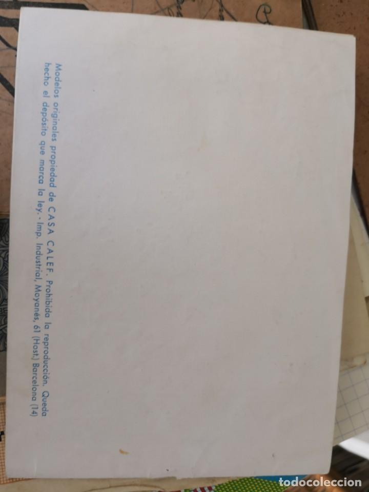 Libros antiguos: PRECIOSO LIBRETO DE PUNTO DE CRUZ Y BORDADO SOBRE FRUNCIDO COLECCION EL DIBUJANTE CASA CALEF ANCORA - Foto 2 - 134560846