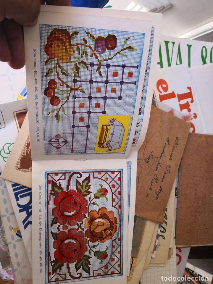 Libros antiguos: PRECIOSO LIBRETO DE PUNTO DE CRUZ Y BORDADO SOBRE FRUNCIDO COLECCION EL DIBUJANTE CASA CALEF ANCORA - Foto 6 - 134560846
