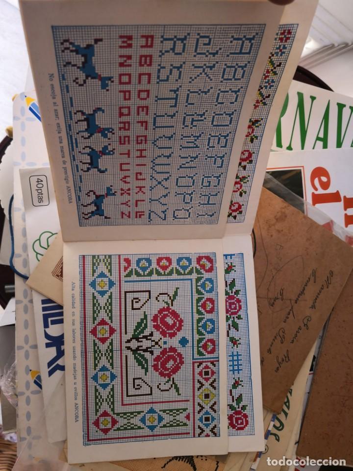 Libros antiguos: PRECIOSO LIBRETO DE PUNTO DE CRUZ Y BORDADO SOBRE FRUNCIDO COLECCION EL DIBUJANTE CASA CALEF ANCORA - Foto 8 - 134560846