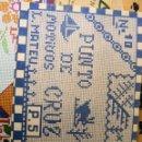 Libros antiguos: LABORES Nº 10. MOTIVOS L. MATE P. 5,PUNTO DE CRUZ. EDICIONES EL MIGUELETE, 1960 . Lote 134562866