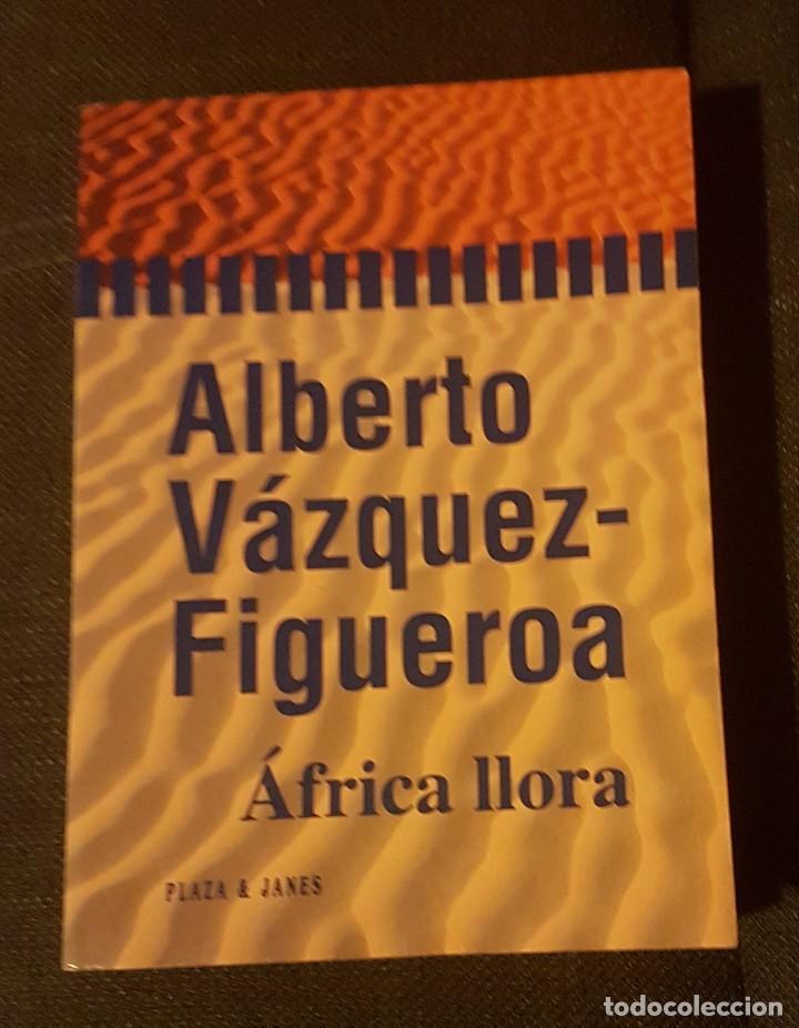 ÁFRICA LLORA ALBERTO VÁZQUEZ FIGUEROA (Libros antiguos (hasta 1936), raros y curiosos - Literatura - Narrativa - Otros)