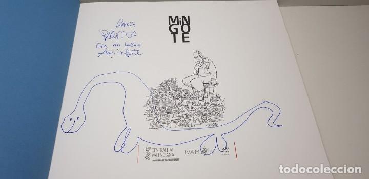Libros antiguos: mingote la vida cabe en un dibujo.firmado - - Foto 2 - 135415722