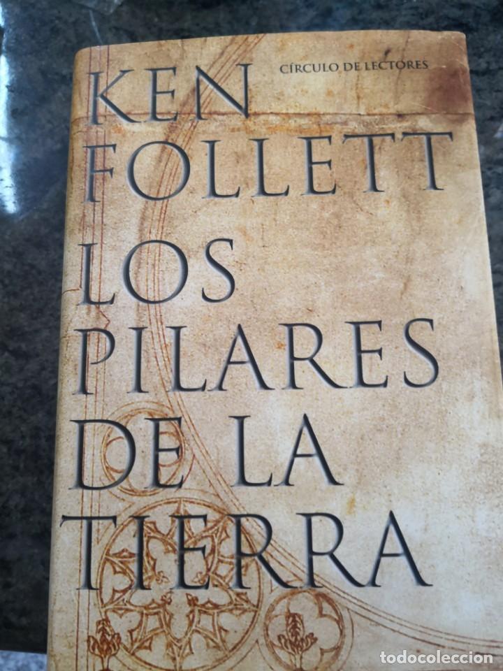 LOS PILARES DE LA TIERRA. KEN FOLLETT. CIRCULO DE LECTORES. 2003. TAPA DURA CON SOBRECUBIERTA. (Libros Antiguos, Raros y Curiosos - Ciencias, Manuales y Oficios - Otros)