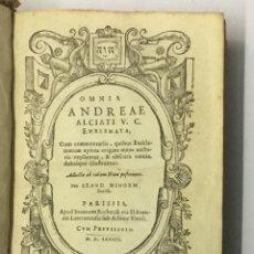 Libros antiguos: OMNIA .... EMBLEMATA, CUM COMMENTARIIS QUIBUS EMBLEMATUM APERTA ORIGINE... - ALCIATO, ANDREA. Lote 142425065