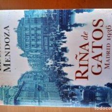 Libros antiguos: RIÑA DE GATOS EDUARDO MENDOZA. Lote 151570990
