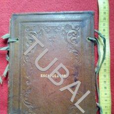 Libros antiguos: TUBAL TAPAS ANTIGUAS EN PIEL REPUJADA ESCAPULARIO. Lote 155671566