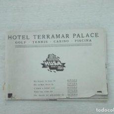 Libros antiguos: HOTEL TERRAMAR PALACE, GOLF - TENIS - CASINO - PISCINA, UNA BREVE HISTORIA DE SITGES, MUY ILUSTRADO. Lote 170203436
